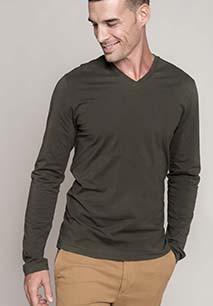 Men's long-sleeved V-neck T-shirt