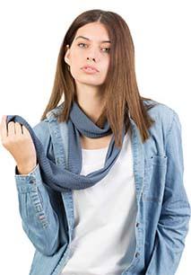Tubular knitted scarf
