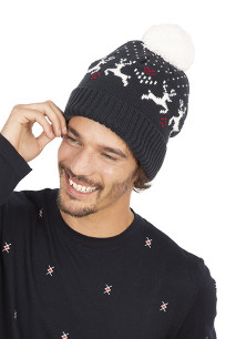 Winter beanie with reindeer design
