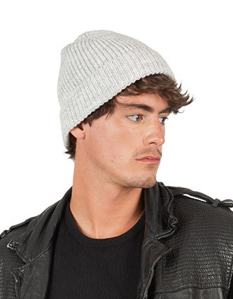 Classic knitted beanie in recycled yarn